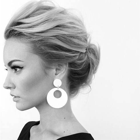 Chignon cheveux courts mi-longs
