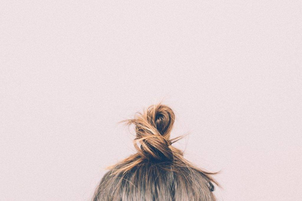 bun-girl-hairs-9634